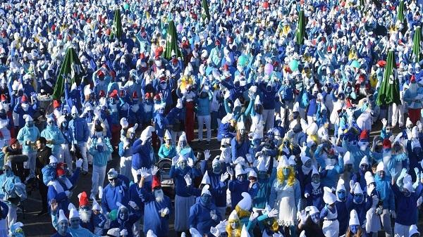 Le plus grand rassemblement de schtroumpfs @AFP